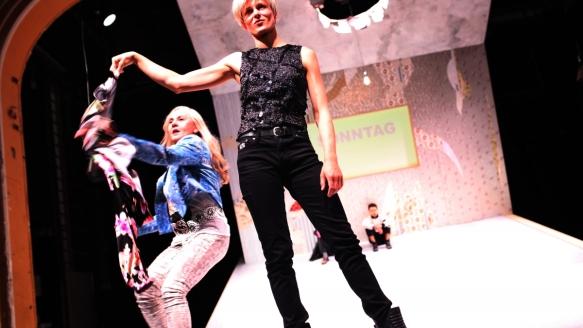 Theater an der Parkaue/ Ratten/Birgit Berthold, Mira Tscherne, Tolga Tavan Foto: Christian Brachwitz